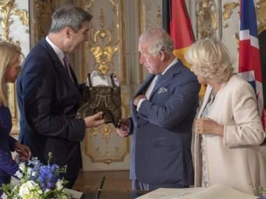 VOICI Bière, danse et bretzel : la folle escapade de Charles et Camilla à Munich
