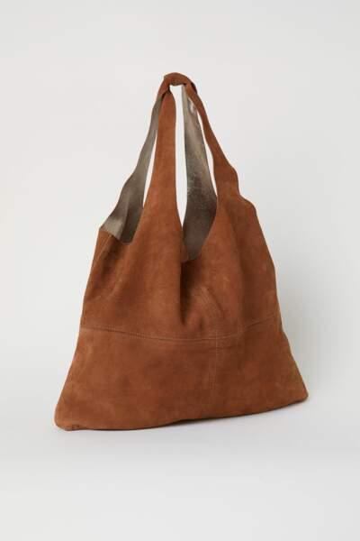 Grand sac shopping en suède, H&M, 29,99 euros au lieu de 79,99 euros