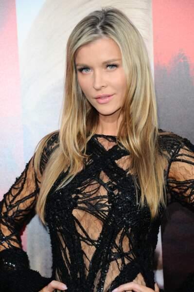 Avant-première d'Unforgettable : moue boudeuse pour Joanna Krupa