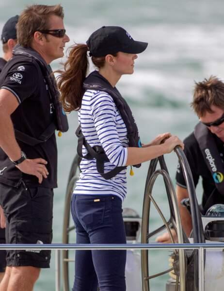 Kate est en place (au passage, elle porte mieux la marinière qu'Arnaud Montebourg !)