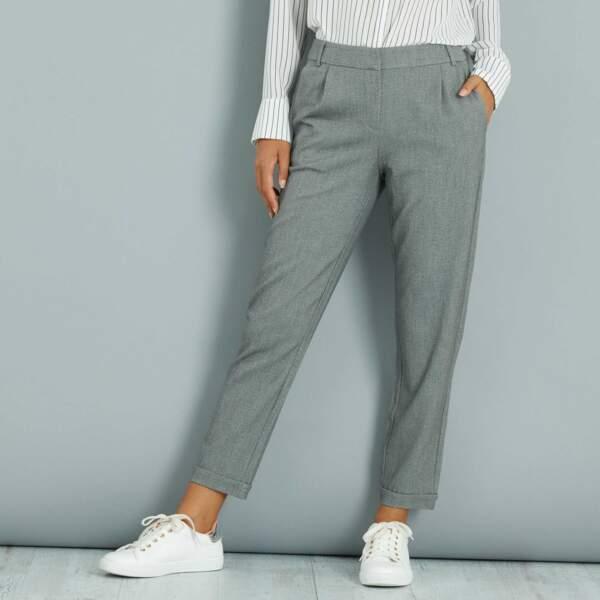15 pièces modes à shopper chez Kiabi : Pantalon droit à pinces, 17,60 euros au lieu de 22 euros