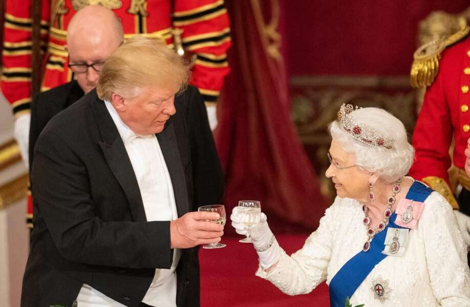 Elizabeth II et Donald Trump au banquet d'Etat organisé à Buckingham Palace, lundi 3 juin