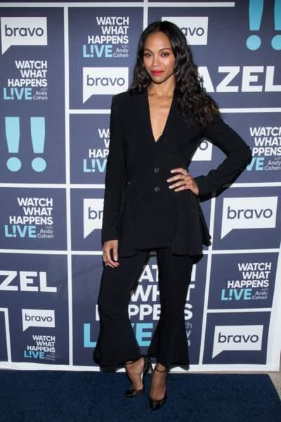 Zoe Saldana a 40 ans : en tailleur pantalon