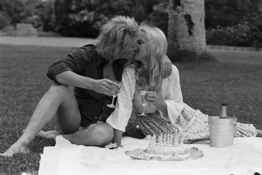 1973 : Sylvie Vartan célèbre son 29ème anniversaire