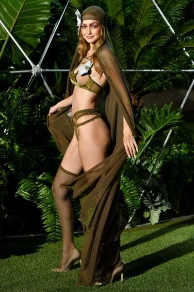 Défilé Lingerie de Rihanna Savage x Fenty : le mannequin Gigi Hadid