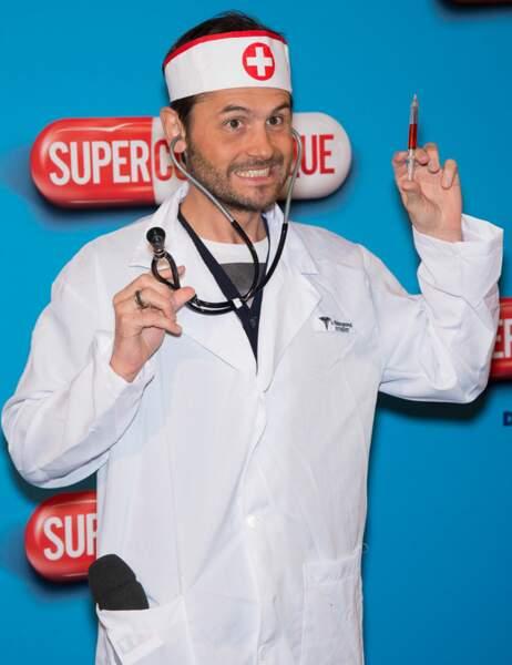 Christophe Beaugrand n'est pas très convaincant en infirmier sexy