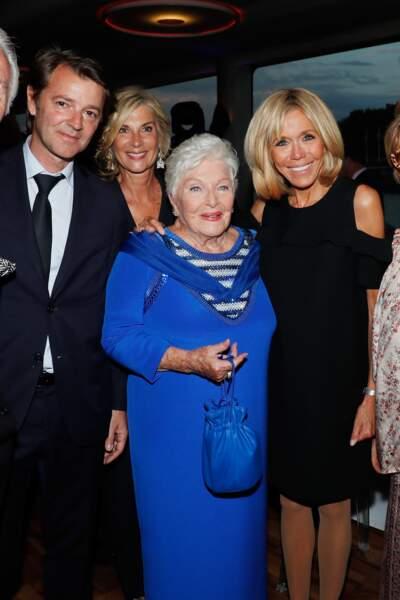 Tout le monde s'affolait pour poser avec la première dame, comme Michèle Laroque et son compagnon François Baroin