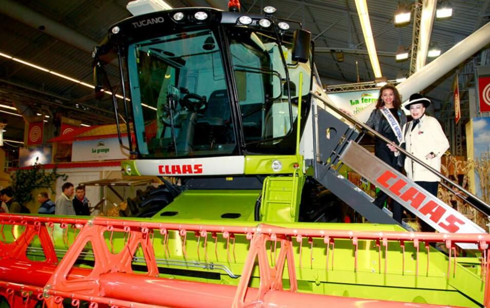 Geneviève de Fontenay et Miss Prestige National au Salon de l'agriculture