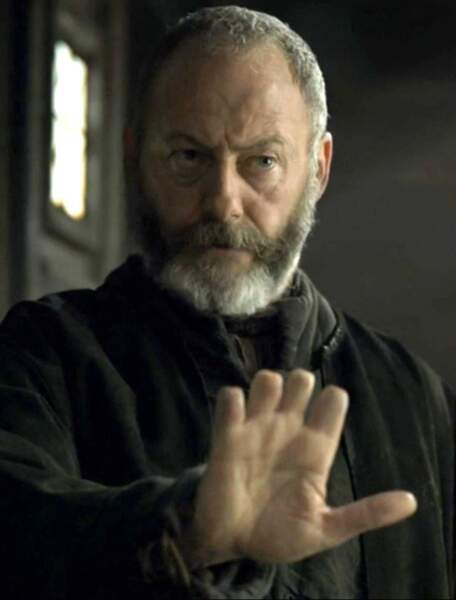 Il incarne aussi Davos dans Game of Thrones