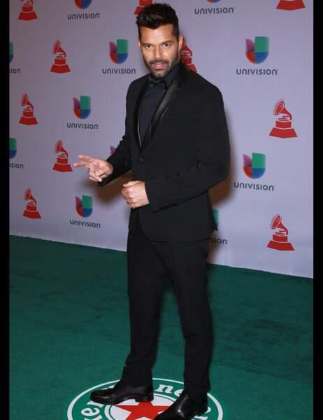 Ricky Martin toujours très classe en costume