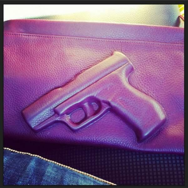 Heureusement, Nabilla a des nouveaux sacs très jolis