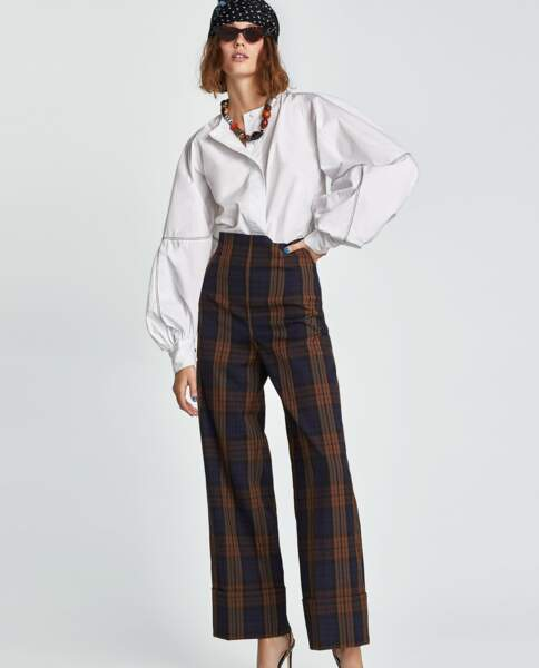 Pantalon large à carreaux, Zara, 49,95 euros