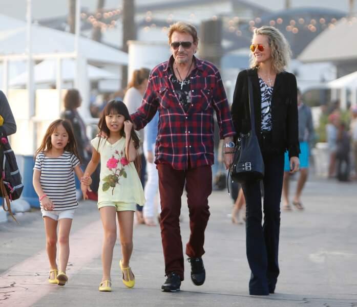 2014 - Petite balade dans Malibu pour la famille Hallyday