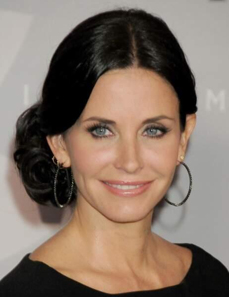 En juin 2010, Courteney Cox ressemble encore à Monica Geller