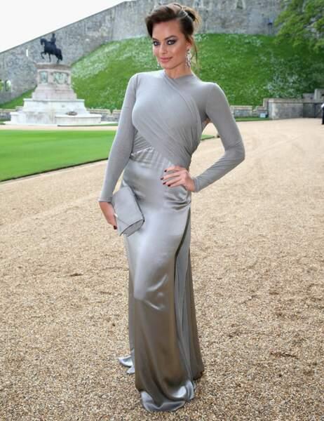 L'actrice australienne Margot Robbie est passée au brun. Et ça lui va bien !