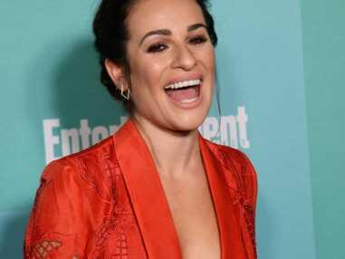Lea Michele (Glee) nue sous sa veste de tailleur à la soirée de clôture du Comic-Con