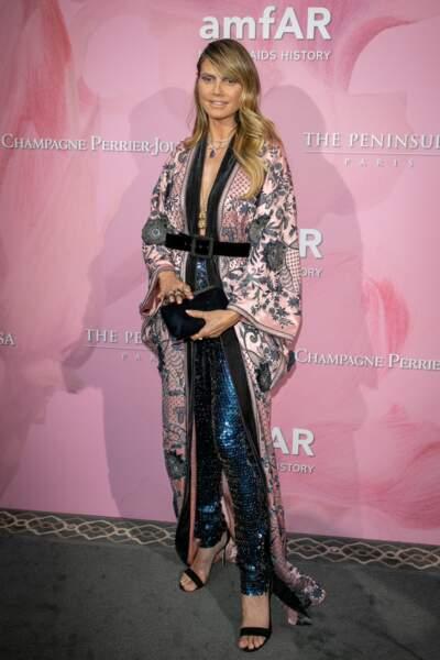 Don't Heidi Klum dans un look trop chargé