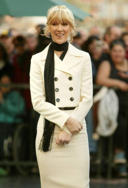 Céline Dion a 50 ans : ces 15 fois où elle était à la pointe de la mode (le tailleur rétro)