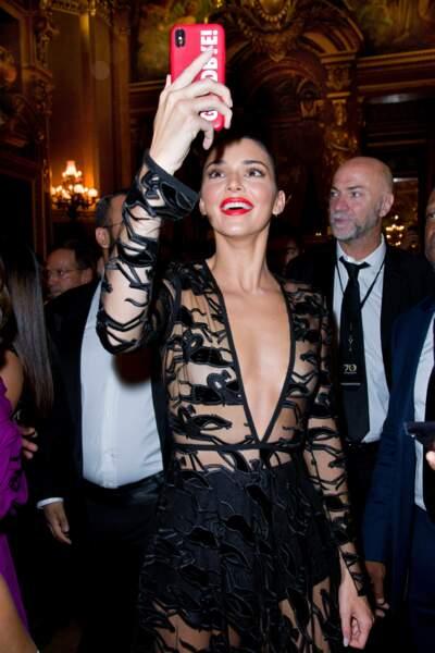 Kendall Jenner en montre trop lors des 70 ans de Longchamp