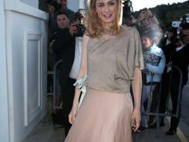 Cannes : Julie Gayet lumineuse pour la soirée Chanel et Vanity Fair