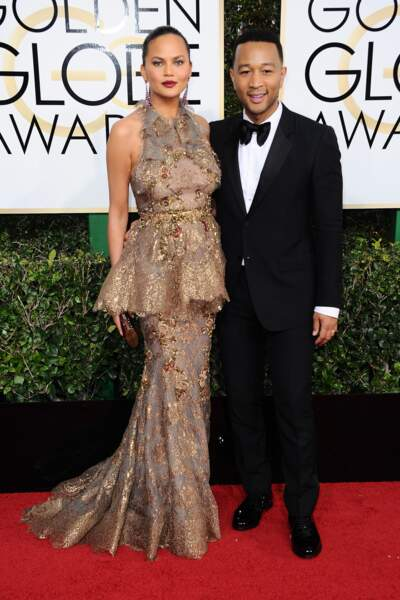 Golden Globes 2017 : Chrissy Teigen en Marchesa et John Legend en Gucci