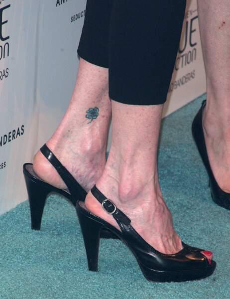 Le tatouage fleuri des people - Melanie Griffith