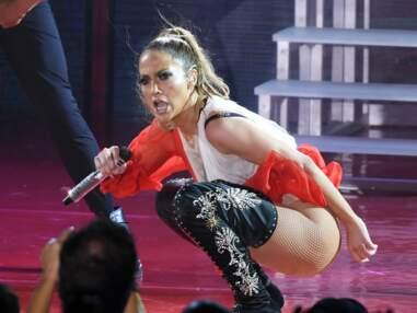 Jennifer Lopez : un pantalon sur scène ? Mais pour quoi faire ?
