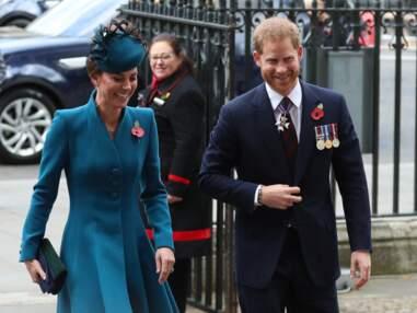 VOICI - Le prince Harry et Kate Middleton très complices, loin du prince William
