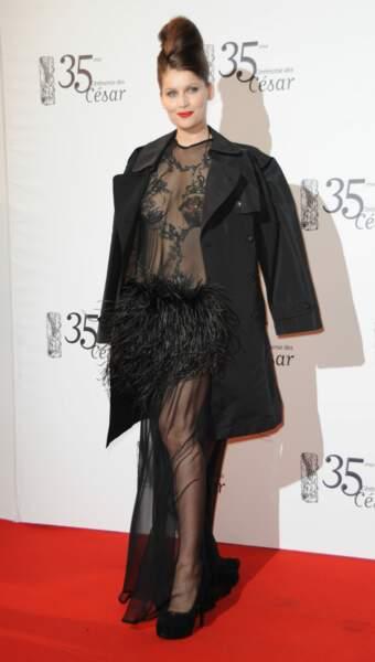 Laetitia Casta joue la carte de la transparence à la 35e cérémonie des César, en 2010