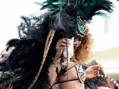 Rihanna sexy et déchaînée pour défiler au carnaval de la Barbade