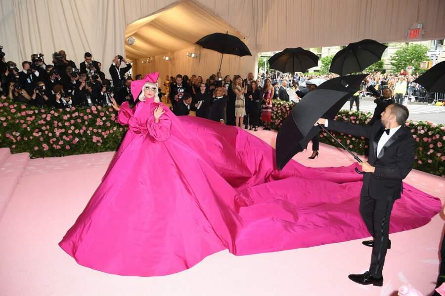 Lady Gaga dans sa 1ère robe