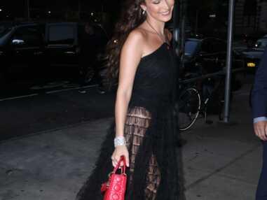 VOICI Dior Backstage Collection : Bella Hadid fesses à l'air pour le dîner de la griffe