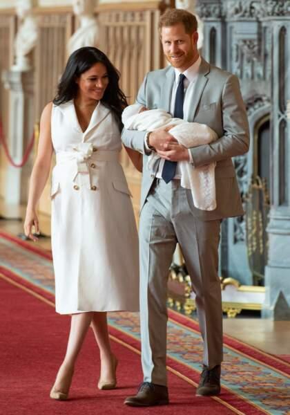Meghan Markle et le prince Harry présentent leur bébé au Château de Windsor le 8 mai 2019