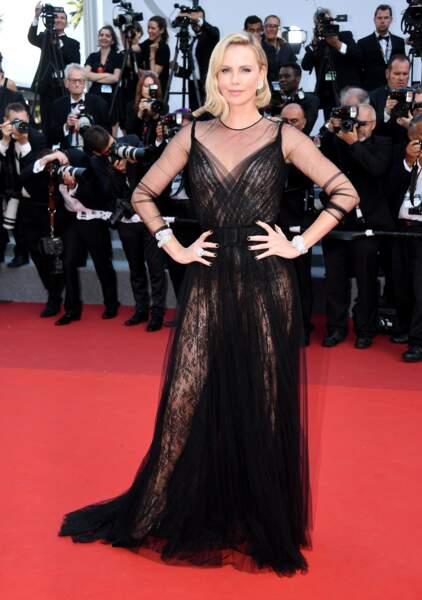 Cannes - Montée des Marches pour le 70ème anniversaire : Charlize Theron