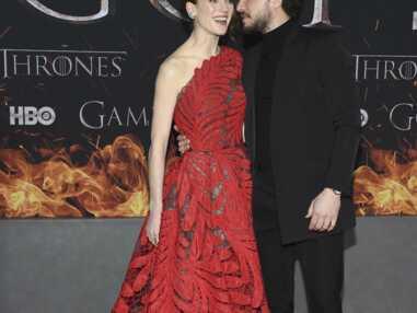 VOICI - Game of Thrones : Kit Harington, Sophie Turner… qui sont les partenaires des acteurs dans la vraie vie ?