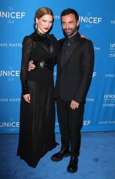 Léa Seydoux dans les bras de Nicolas Ghesquière, DA des créations Femmes de la maison Louis Vuitton