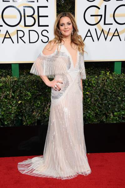 Golden Globes 2017 : Drew Barrymore, 65 ans, en Monique Lhuillier