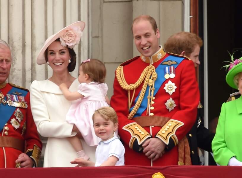 Anniversaire du Prince George - Juin 2016, nouvelle fête nationale et avec Charlotte cette fois