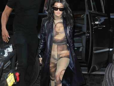 VOICI - Le clin d'oeil vestimentaire de Kourtney Kardashian à la France