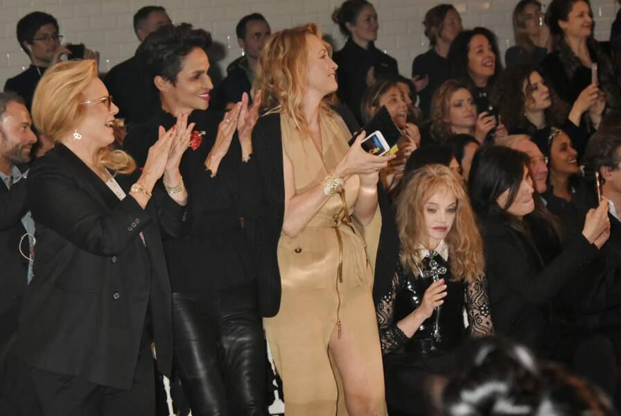 Sylvie Vartan et Estelle Lefébure fans du show, et sûrement de leur fille et petite-fille aussi !