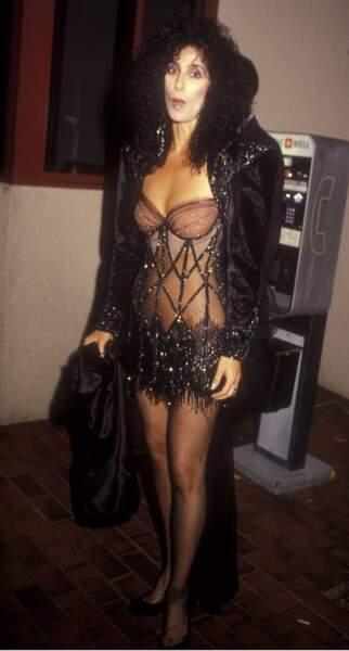 """MTV Video Music Awards : Cher en 1987, ou la tendance """"tenue de patinage artistique"""""""