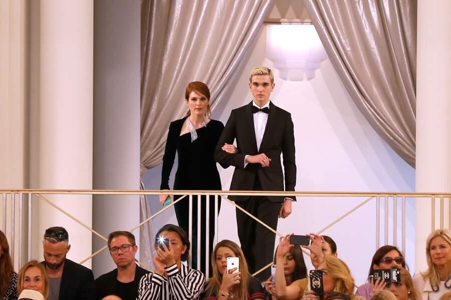 Julianne Moore au bras de Gabriel Kane Day Lewis, le fils d'Isabelle Adjani et de Daniel Day Lewis