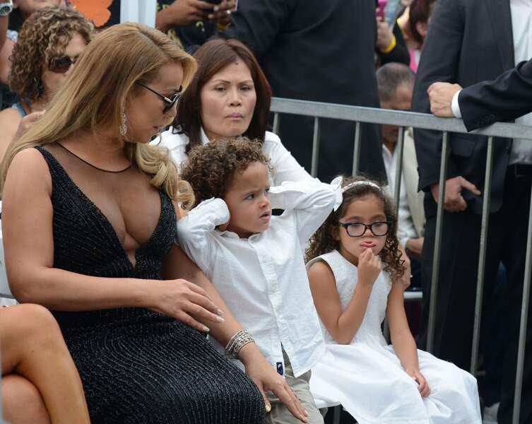 Selon ses jumeaux, la cérémonie était un peu barbante...