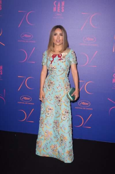 Festival de Cannes 2017 : il faut sauver le soldat Salma Hayek (et l'empêcher de mettre les robes de sa fille)