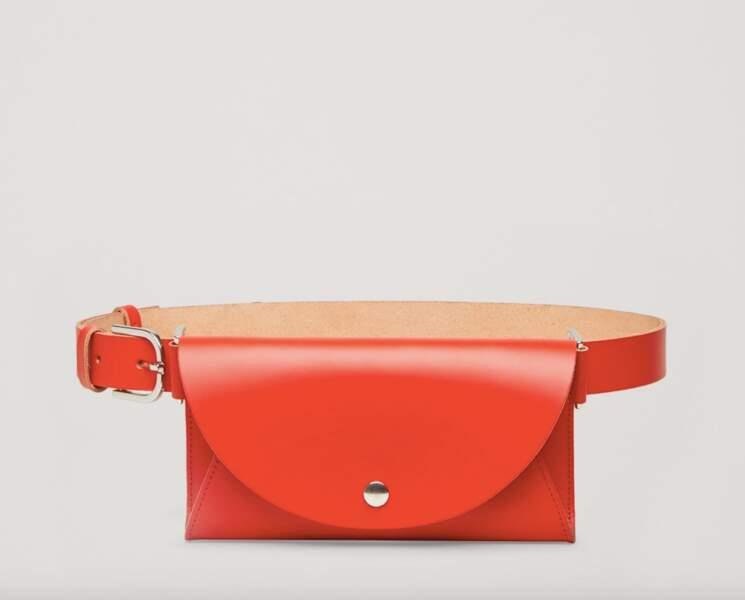 Le retour du sac banane : Sac ceinture en cuir, COS, 49 euros
