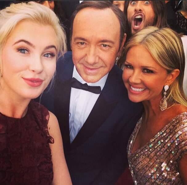 Aux Oscars, Ireland Baldwin a posé avec Kevin Spacey... et puis Jared Leto
