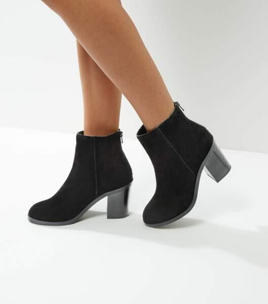 Bottines noires en daim NEW LOOK - 54,99 €