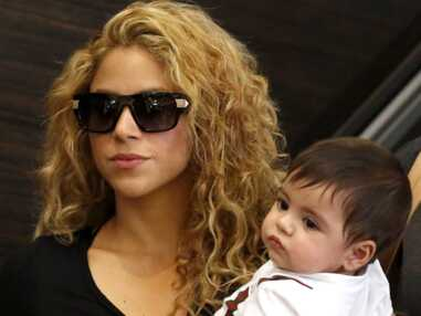 DIAPO Shakira arrive avec son fils Milan à l'aéroport de Los Angeles