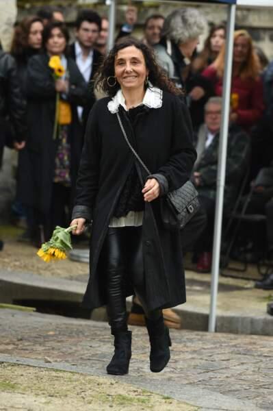 Aziza Zakine aux obsèques de Jacques Higelin, au cimetière du Père-Lachaise, le 12 avril 2018