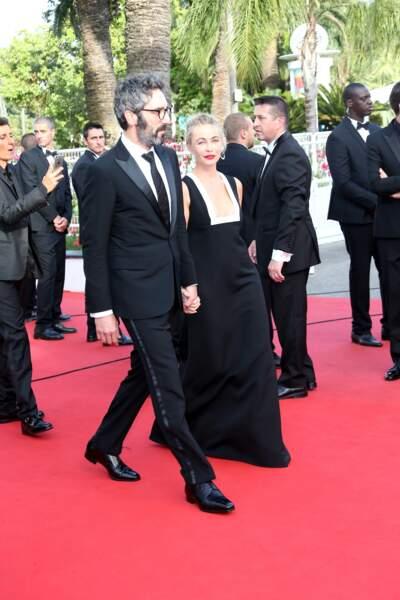 Main dans la main, les deux amants ont officialisé à Cannes